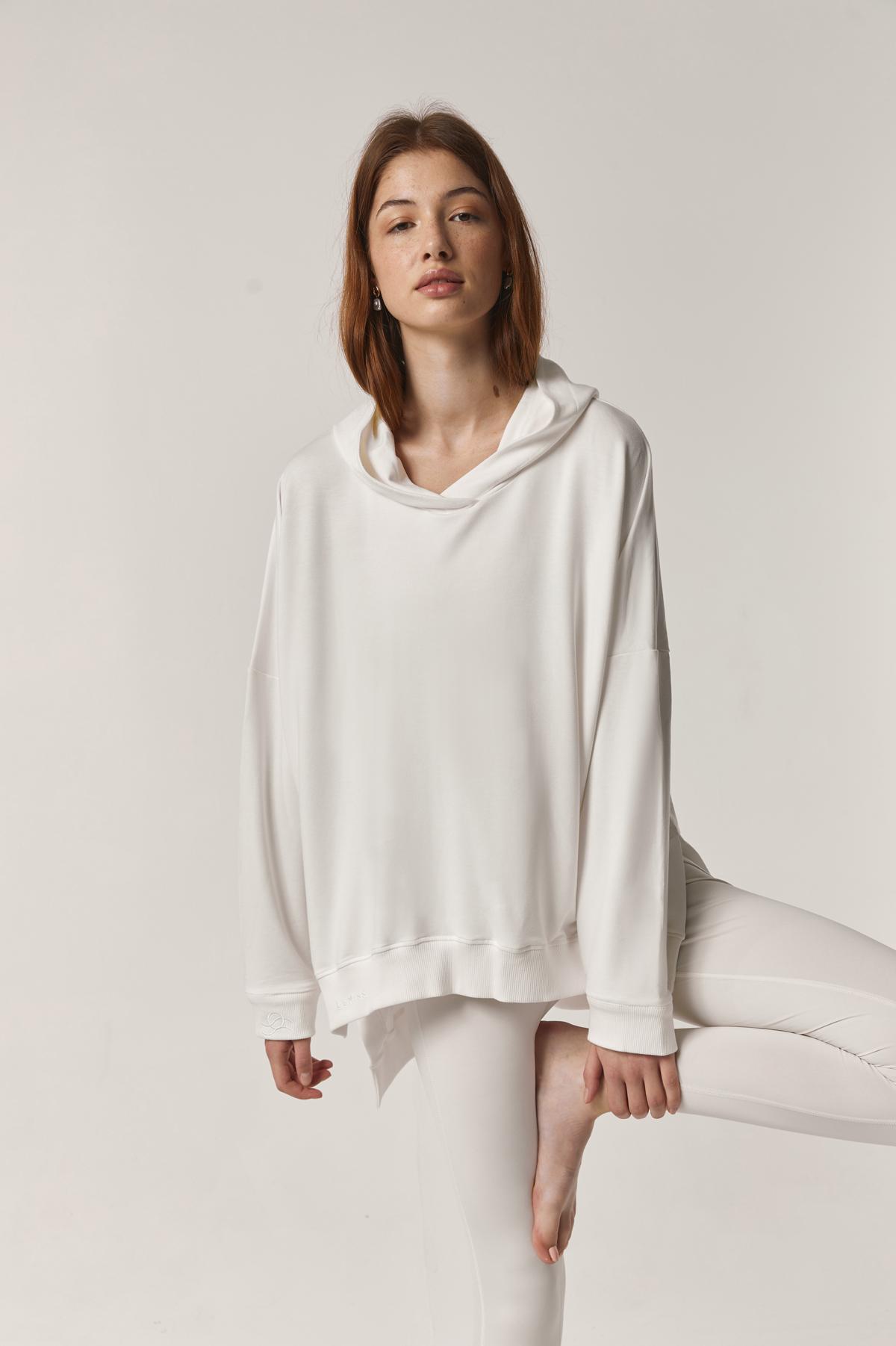 bluza z kapturem oversize w kolorze cream white